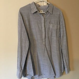 Gap long sleeve collared shirt